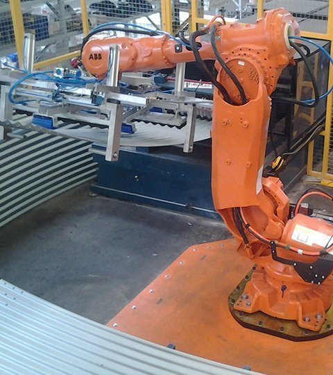 robotic cell handling metal sheet
